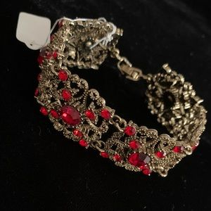 Jewelry - 🆕🔥Laced Crystal Red Bracelet Antique Gold